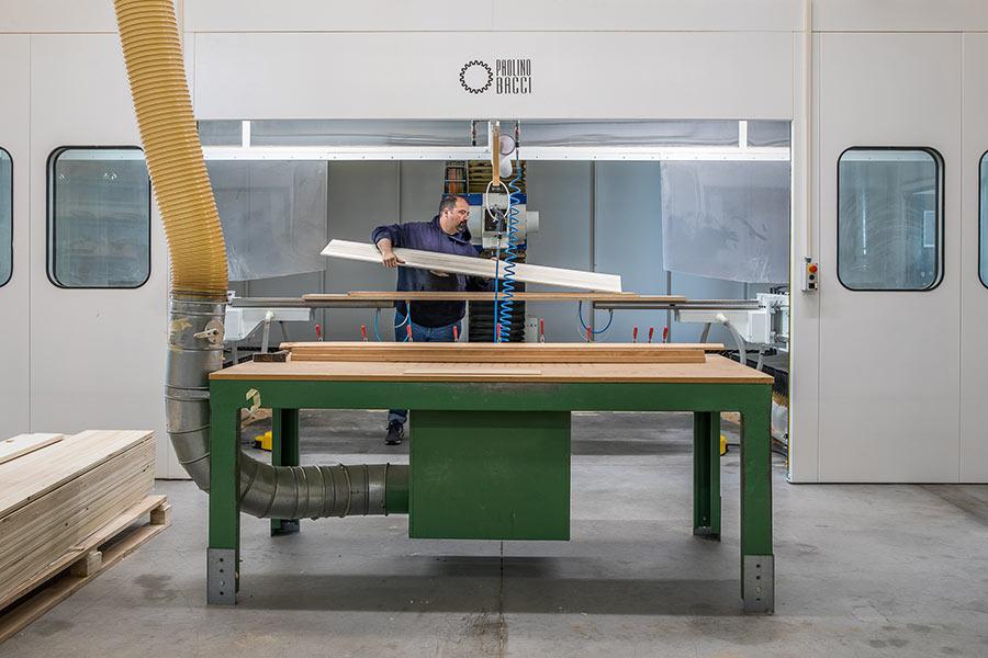 """Alessandro Marchi """"Sandy"""" nel laboratorio di OPERA Skis"""